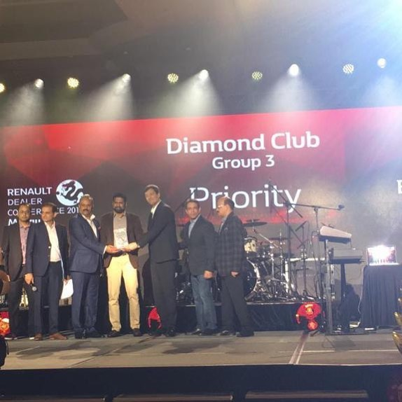 We are proud to announce that we have once again achieved the Glamorous Diamond Club! Bring it on GroupPriority.